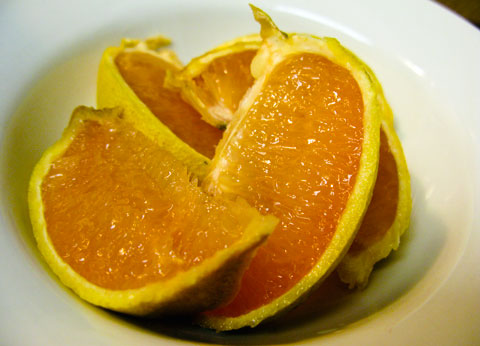 These are going in the microwave. I happened to have some grapefruit that had passed its use-by date, so I used that instead of lemons, works just as well.