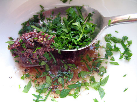 "Tapenade dressing for a salad ""me-coise."""