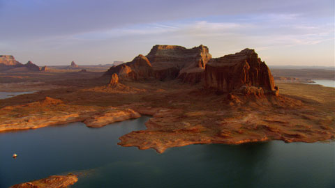 "Lake Powell, Utah, USA (37°18' N – 110°45' W). © ""HOME"" – an ELZEVIR FILMS – EUROPACORP coproduction"