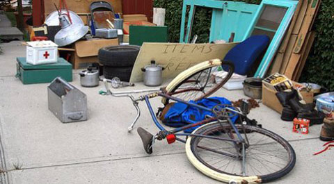 Freecycling extends the life of your stuff and keeps it out of landfill. Image by ShazzMack, via Treehugger.