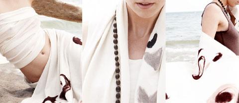 Cashmere light scarf.
