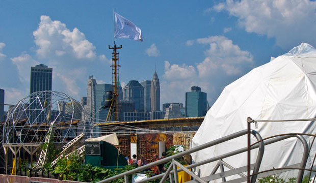 Goodlifer: The Waterpod Project - A Self-sustaining Ecosystem on the Manhattan Waterfront