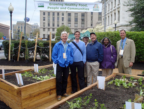 The name People's Garden is a tribute to President Abraham Lincoln, and to the good work of the USDA, who planted the first People's Garden outside their headquarters on February 12.