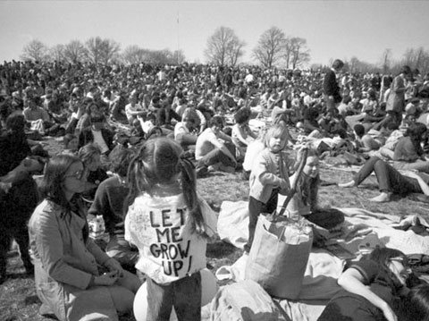 earth day 1970 pictures. first Earth Day in 1970.