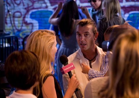Gavin Rossdale &amp; son Kingston were seated front-row at the show. Photo by Johanna Bjrk.