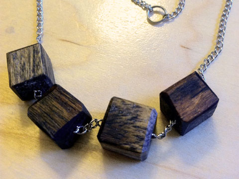 Goodlifer: Eco-Alternatives: 7 Pieces of (Sustainable) Wood Statement Jewelry