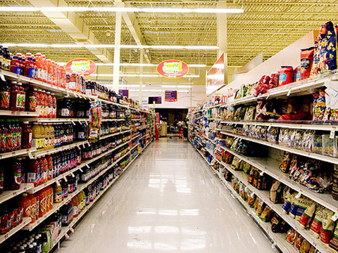 We should all be allowed to make a personal choice in the supermarket aisle, regarding the consumption of GMOs, something that will not be possible without this legislation. Photo by Robyn Lee, Creative Commons.