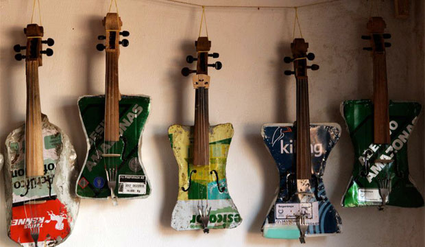 Goodlifer: Landfill Harmonic - Creating Beautiful Music on Instruments Made From Trash