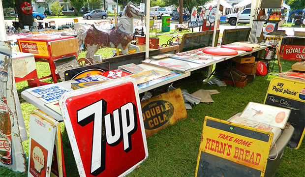 The World's Longest Yard Sale Spans 6 States & Starts ...